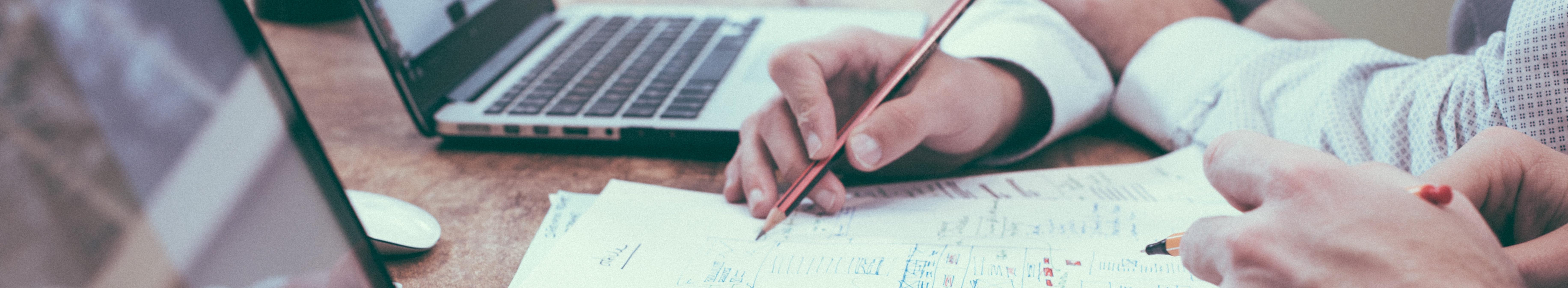 Brainstorming on Paper IMage by Scott Graham von unsplash
